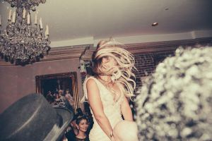 Beyonce-dancing-at-Tina-Knowles-60th-Birthday-party