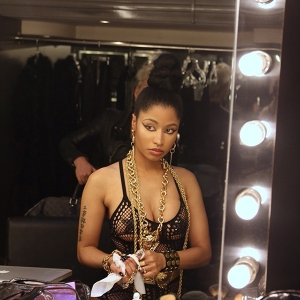 Nicki-Minaj-shows-off-real-hair-on-Instagram-2