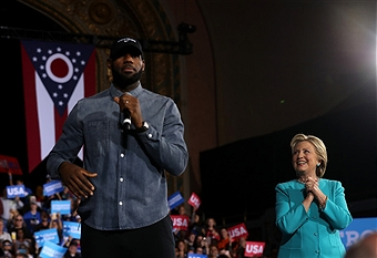 Hillary Clinton Campaigns In Crucial States Ahead Of Tuesday\'s Presidential Election