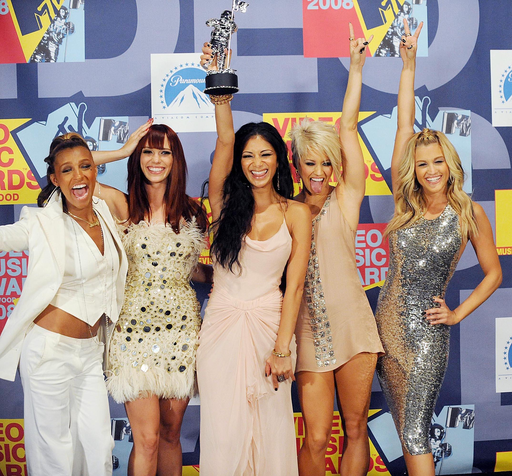 CELEBS ARRIVE FOR THE 2008 MTV MUSIC VIDEO AWARDS.