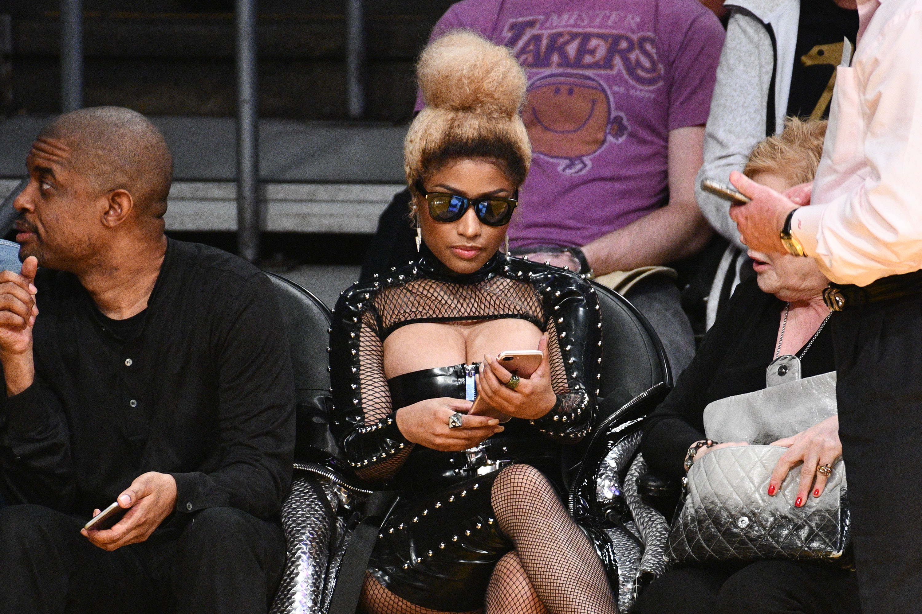 e17d777fe640e6 Nicki Minaj Comes Out Of Hiding Front Row At The Lakers Game   Power ...