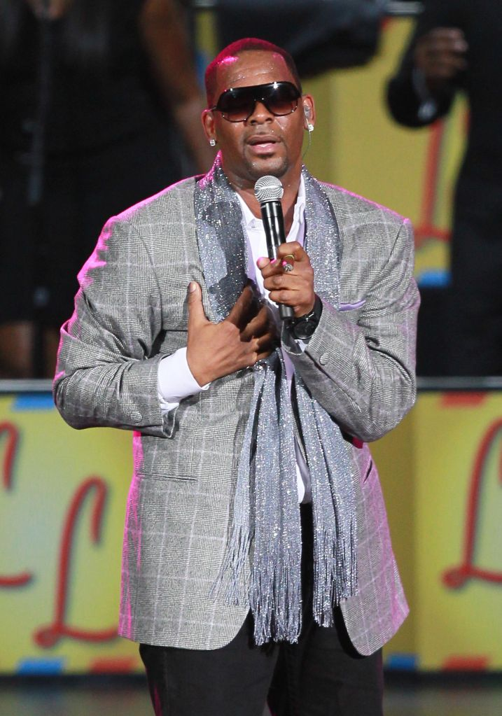 R. Kelly Performs At The NOKIA Theatre L.A. LIVE